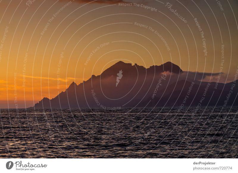 36° C und die Sonne sagt Servus... Natur Ferien & Urlaub & Reisen Sommer Meer Landschaft Ferne Umwelt Berge u. Gebirge Wärme Gefühle Küste Freiheit Glück Felsen Wellen gold