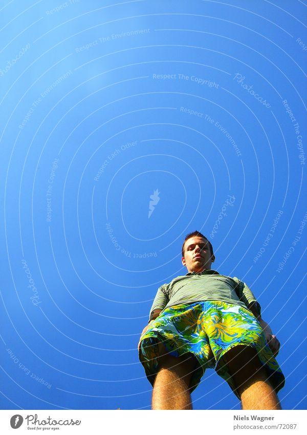 Gibs da unten was?? Mensch Himmel blau Beine Arme Wind Aussicht Hose Hawaii