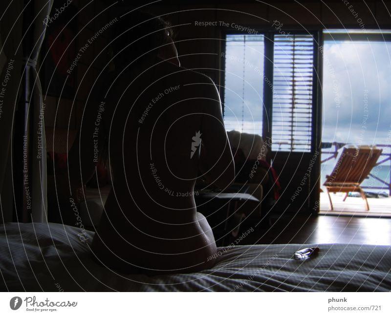 gegenlichkontur Raum Ferien & Urlaub & Reisen maritim Bett Balkon Meer nackt Frau Sommer Erde Sand Haare & Frisuren Haarpflege lodgia terasse Sonne Rücken