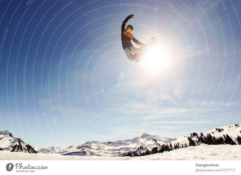sunny grap Lifestyle Sport Snowboard Snowboarding Snowboarder Methode Skipiste Halfpipe Mensch maskulin Landschaft Himmel Sonne Sonnenlicht Winter