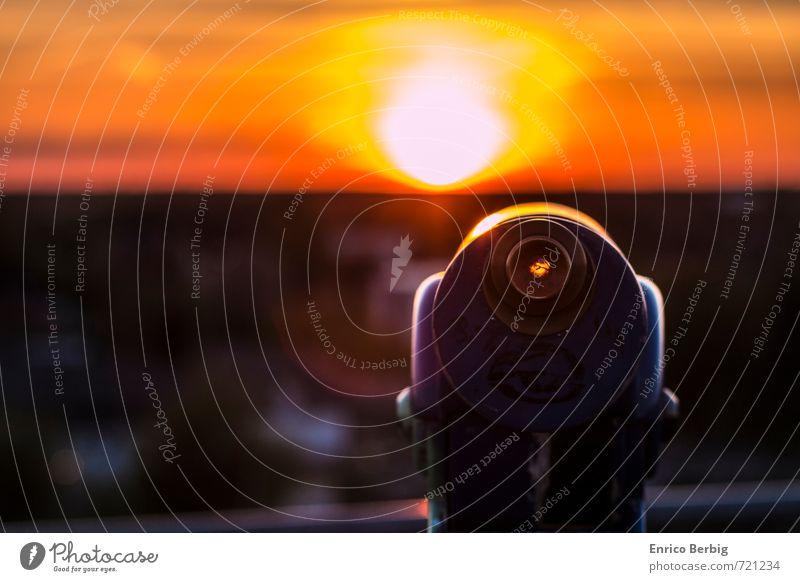 inspection Umwelt Natur Luft Sonne Sonnenaufgang Sonnenuntergang Sonnenlicht Frühling Sommer Coolness seriös Gefühle Glück Fernglas Ferne Aussicht Aussichtsturm