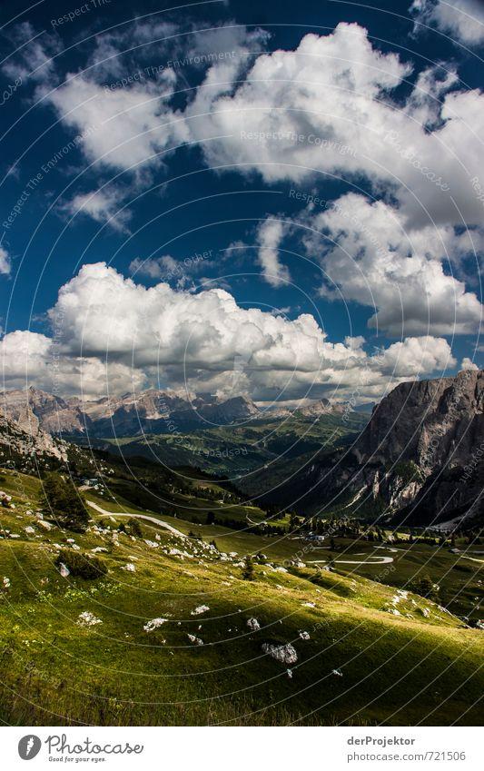 Panorama Dolomiten mit Wolken und Sonne Freizeit & Hobby Ferien & Urlaub & Reisen Tourismus Ausflug Abenteuer Ferne Freiheit Berge u. Gebirge wandern Umwelt