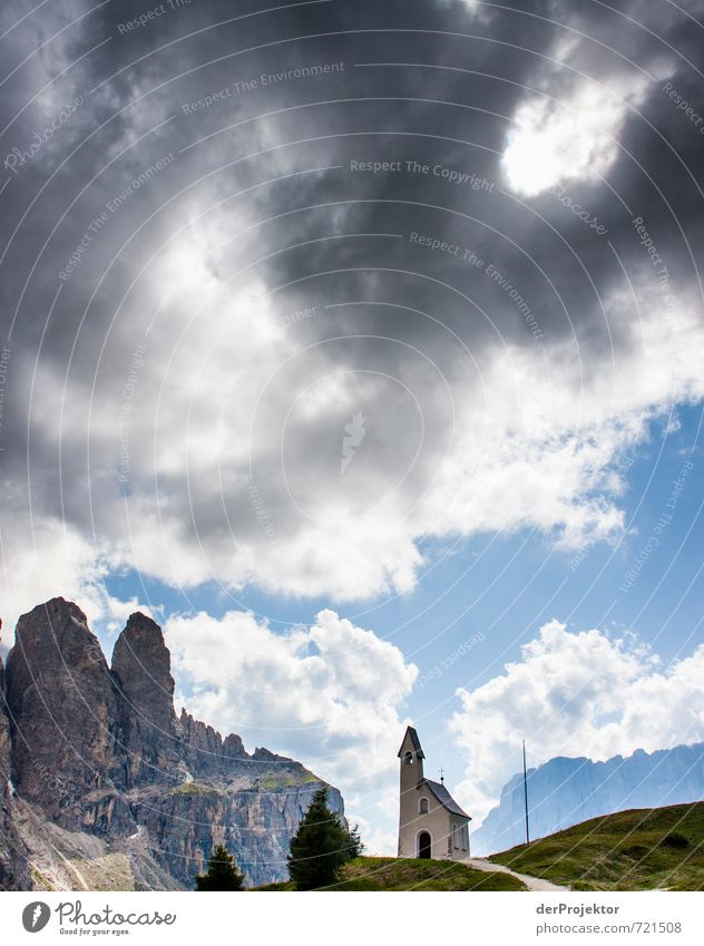 Drei Türme Ferien & Urlaub & Reisen Tourismus Ausflug Umwelt Natur Landschaft Urelemente Wolken Gewitterwolken Sommer schlechtes Wetter Hügel Felsen Alpen