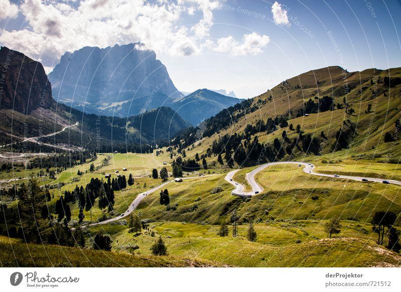 Anfahrtsweg Natur Himmel Ferien & Urlaub & Reisen Sommer Landschaft Ferne Berge u. Gebirge Umwelt Straße Gefühle Wiese Wege & Pfade Freiheit Felsen