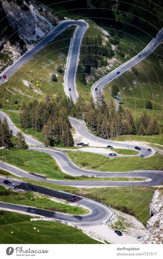 Fahrtziel Natur Ferien & Urlaub & Reisen Sommer Landschaft Umwelt Berge u. Gebirge Straße Gefühle Freiheit Freizeit & Hobby PKW Verkehr Tourismus wandern