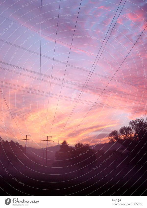 rubor et caeruleus decet... nubes mehrfarbig Morgen Morgendämmerung Licht Sonnenaufgang Sonnenuntergang Freude schön Erholung ruhig Ferne Kabel Luft Himmel