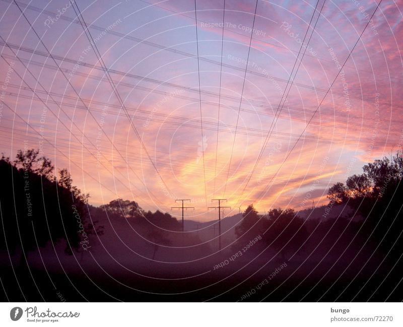 rubor et caeruleus decet... nubes iterum mehrfarbig Morgen Morgendämmerung Licht Sonnenaufgang Sonnenuntergang Freude schön Erholung ruhig Ferne Kabel Luft