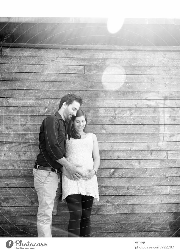 happy maskulin feminin Junge Frau Jugendliche Junger Mann Erwachsene Paar Partner 2 Mensch 18-30 Jahre Glück schwanger Lebensfreude Vorfreude Sympathie Liebe