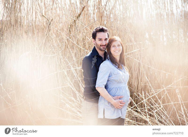 üse Chnopf maskulin feminin Junge Frau Jugendliche Junger Mann Paar Partner Erwachsene 2 Mensch 18-30 Jahre Fröhlichkeit Zusammensein Glück schön schwanger