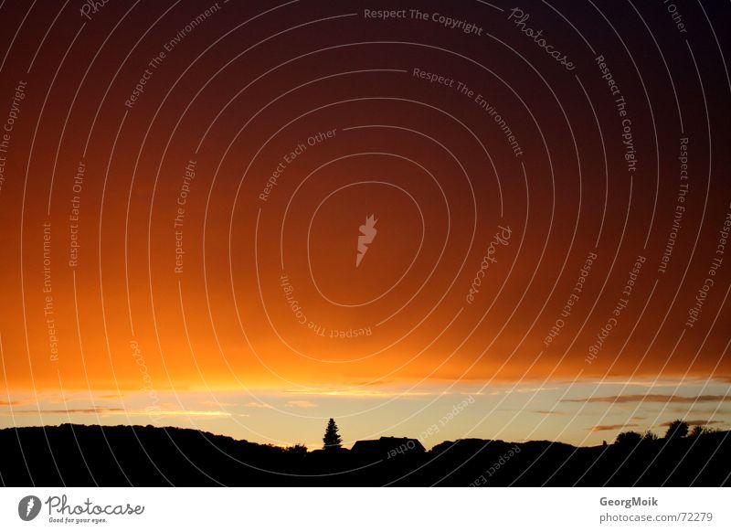 spirit of eve Wolken Silhouette Färbung Sonnenuntergang Nacht dunkel schwarz gelb violett Himmel cloud pall auf wolke sieben on cloud nine Landschaft landscape