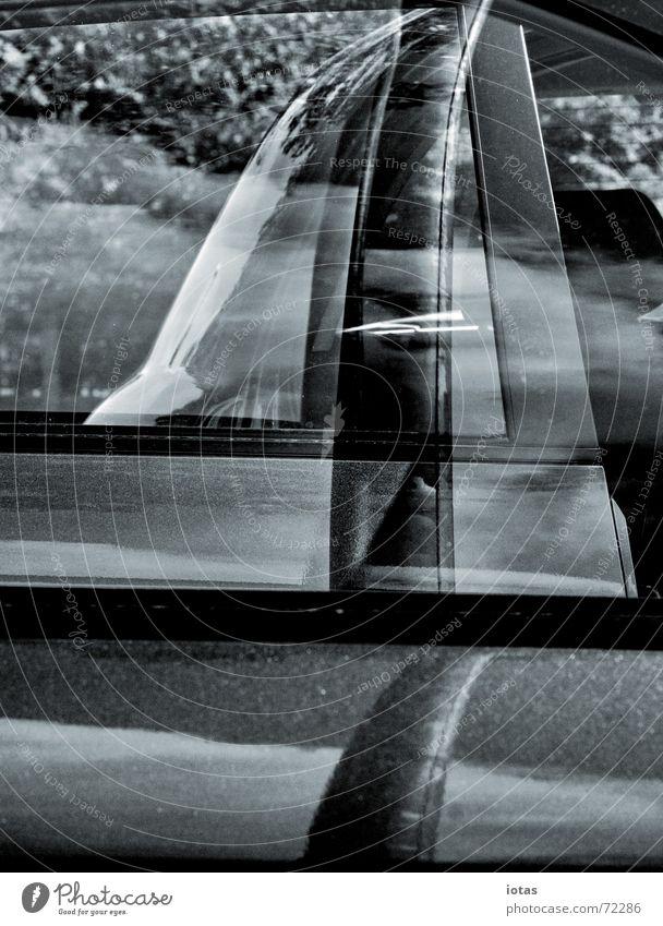 spiegelung Reflexion & Spiegelung Muster Autofenster Geometrie harmonisch ruhig Industrie Verkehr Konzentration Glas blau symetrie Schwarzweißfoto b/w b&w