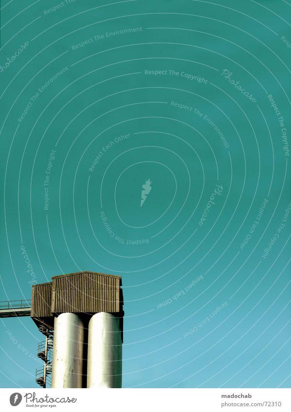 HOCHHAUS | rakete gebäude architektur himmel Himmel blau Einsamkeit Wolken Haus dunkel Fenster Leben Architektur Traurigkeit Gebäude Holz Freiheit fliegen oben