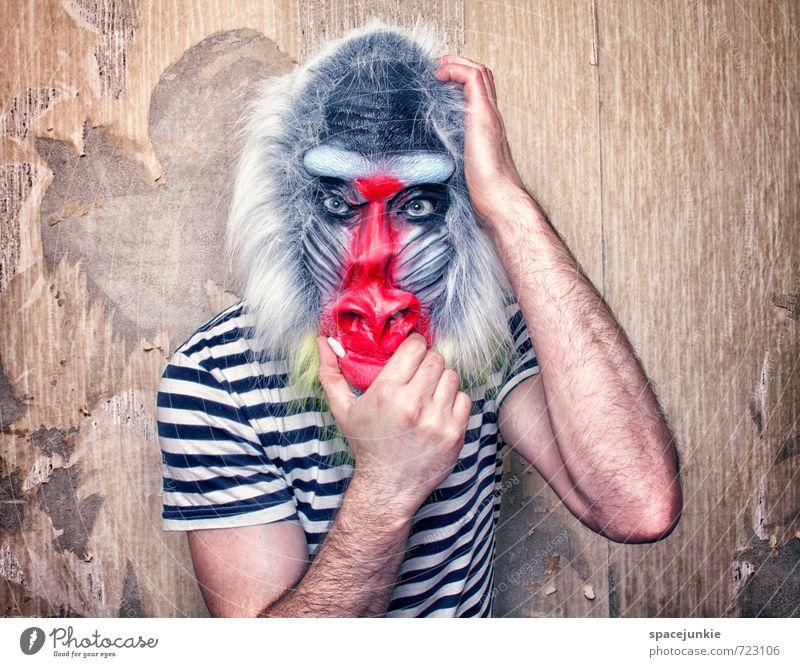Feeling like an animal Mensch Jugendliche Mann blau weiß rot Tier Junger Mann Erwachsene Wand Mauer außergewöhnlich maskulin Wildtier bedrohlich beobachten