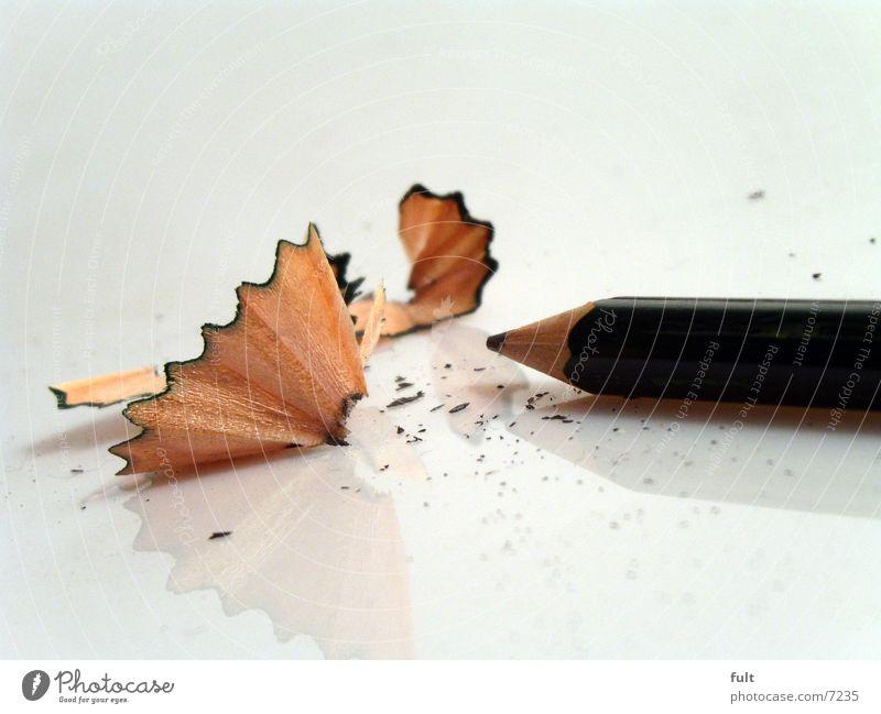 bleistift Bleistift Holz Reflexion & Spiegelung rund Schreibstift grün dunkelgrün spähne Spitze anspitzen Strukturen & Formen liegen holzprodukt zeichnen