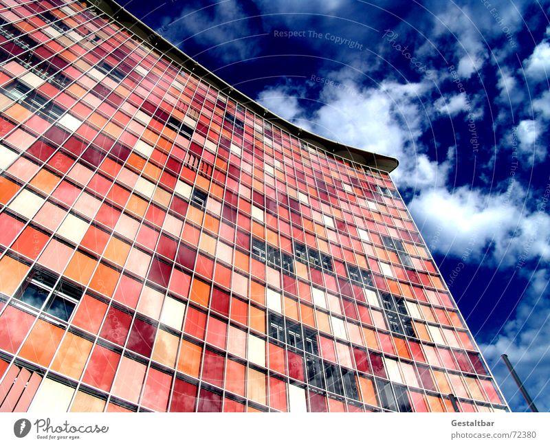 Pink ist Schick [2] Himmel Fenster Berlin Glas Unternehmen Fassade modern Hochhaus Fernsehen Agentur Fensterladen Kreuzberg Jalousie Rollo gestaltbar