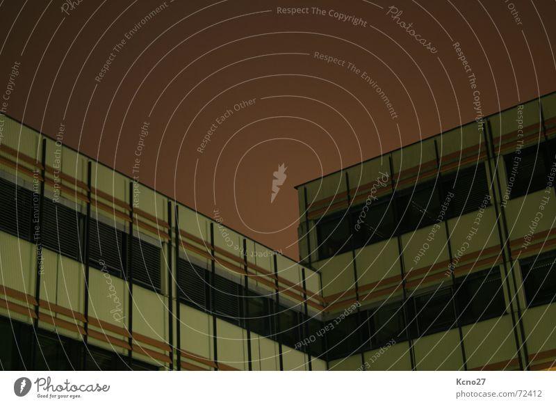 Geometrie Himmel Haus Fenster Gebäude Hochhaus Abenddämmerung Betonklotz