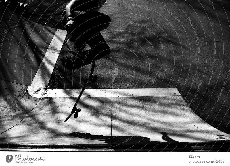 shove it sw Sonne Stil Lifestyle springen Park Luft Skateboarding Trick Halfpipe Rampe Stunt Parkdeck Air