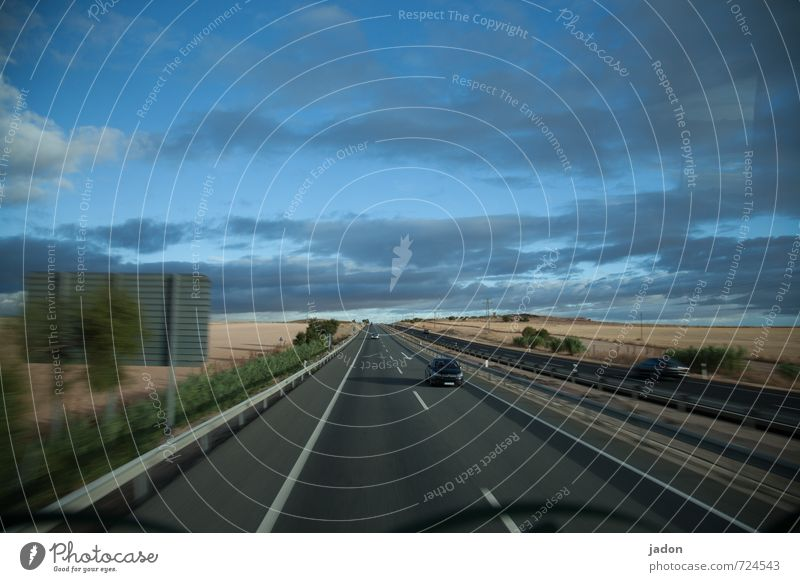 roadmovie. Himmel Ferien & Urlaub & Reisen blau Wolken Ferne Straße Horizont PKW Verkehr Geschwindigkeit Unendlichkeit Ziel Eile Verkehrswege Fernweh Autobahn