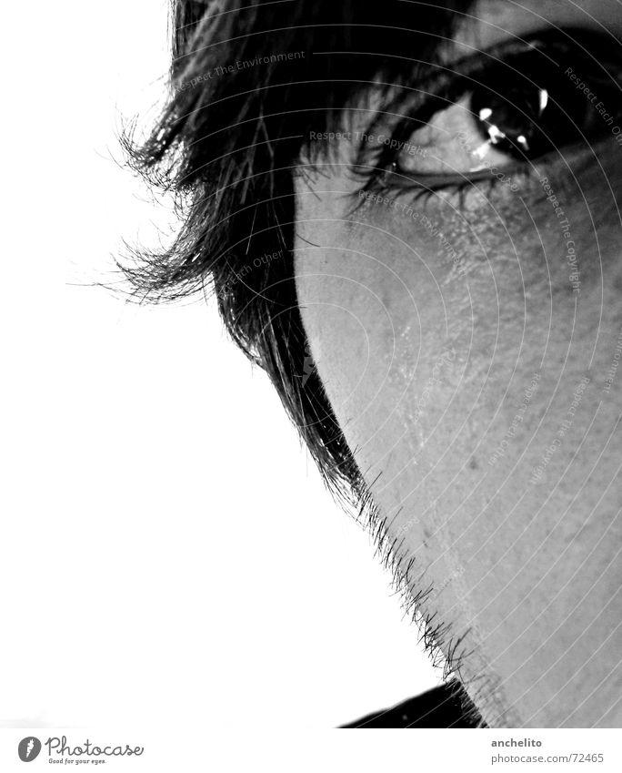 Gefühle zeigen! Mensch Mann maskulin weinen Trauer berühren nass feucht Meerwasser Sorge Einsamkeit quälen zart weich sensibel sensitiv schwarz weiß ruhig Angst