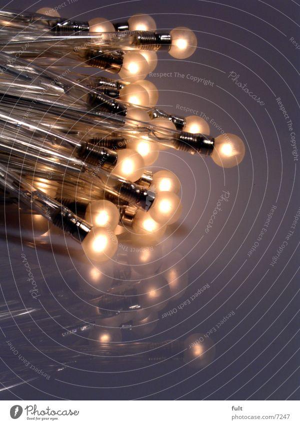 Glühbirnen Beleuchtung Stil Lampe Design Elektrizität rund erleuchten Zusammenhalt Kunststoff Kugel Glühbirne Lichtpunkt nebeneinander Reflexion & Spiegelung Drehgewinde