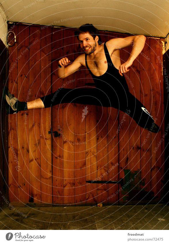fit wie turnschuh Sport springen Holz Turnen Gesundheit Tür Aktion Bodenbelag Dynamik grinsen sportlich Turnschuh Spagat