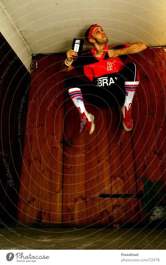 dynamo Freude Sport Holz springen maskulin verrückt Aktion Fröhlichkeit Bodenbelag Coolness retro Fitness Werbung sportlich Lebensfreude Dynamik