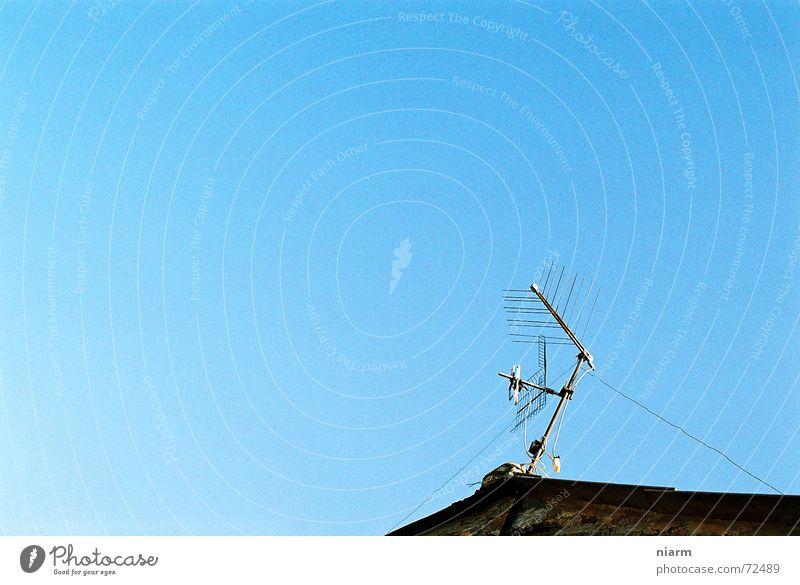 Empfangsbereit Himmel Kabel Dach Antenne Begrüßung Sender Lauschangriff Dachantenne