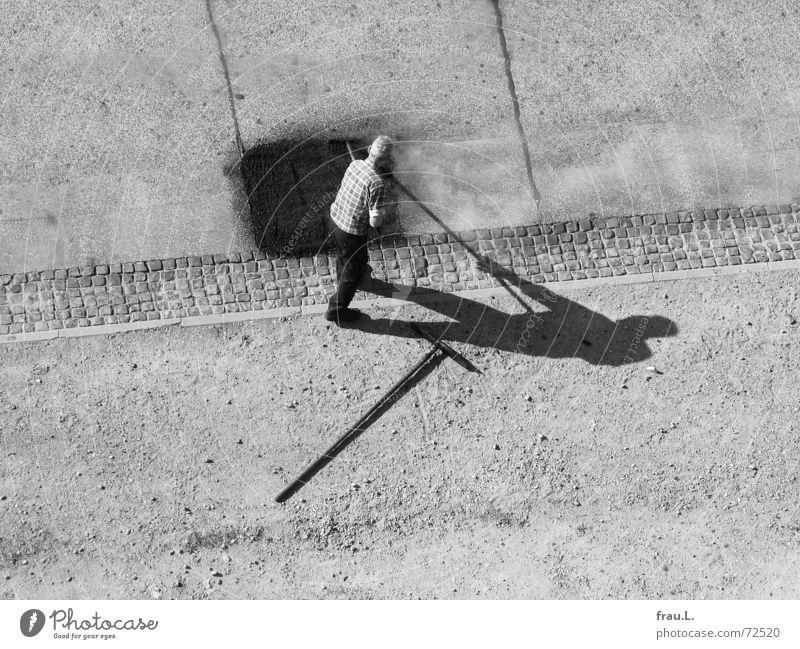 Straßenarbeiter Straßenbau Reparatur Mann Licht Sonnenlicht Teer Arbeiter heiß Asphalt Straßenbelag Physik Arbeit & Erwerbstätigkeit Fahrbahn Verkehrswege