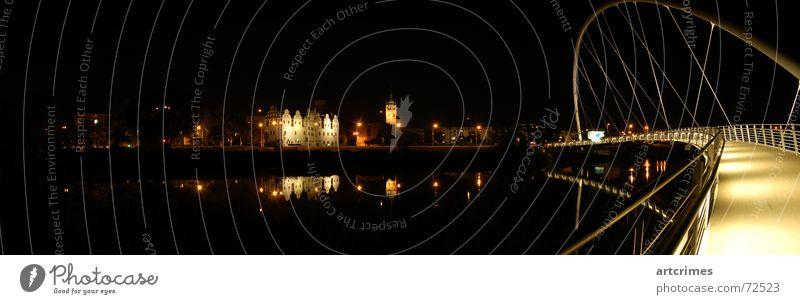 Dessau rockt!!! Langzeitbelichtung Nacht schwarz dunkel Licht Lichtspiel Reflexion & Spiegelung Stadt Panorama (Aussicht) Nachtaufnahme Regenbogen geheimnisvoll
