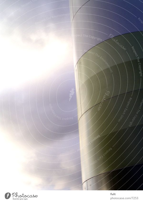 metall Wolken rund weiß hellgrün dunkelgrün Design Luft Windkraftanlage umweltfreundlich Industrie Metall Himmel Farbe Natur Strukturen & Formen Teilung