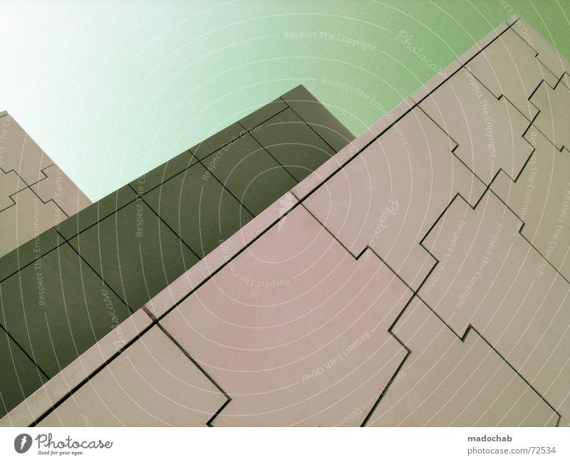 BUMM ZACK | hochhaus gebäude architektur style gott god Himmel Stadt blau Einsamkeit Wolken Haus dunkel Fenster Leben Architektur Traurigkeit Gebäude Freiheit fliegen oben rosa