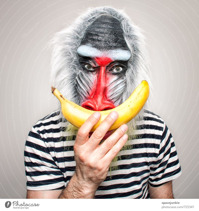Banana Mensch Jugendliche rot Tier schwarz Junger Mann gelb Kunst maskulin beobachten berühren Neugier T-Shirt Bart gruselig Maske