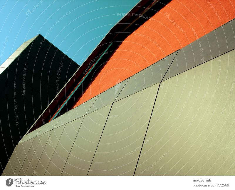 ORANGE COUNTRY | hochhaus gebäude architektur style Himmel Stadt blau Einsamkeit Wolken Haus dunkel Fenster Leben Architektur Traurigkeit Gebäude Freiheit