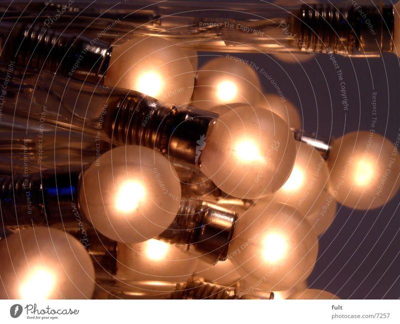 Glühbirnen Lampe Stil Reflexion & Spiegelung rund Design Licht Lichtpunkt erleuchten Elektrizität nebeneinander Zusammensein Kugel Kunststoff Drehgewinde