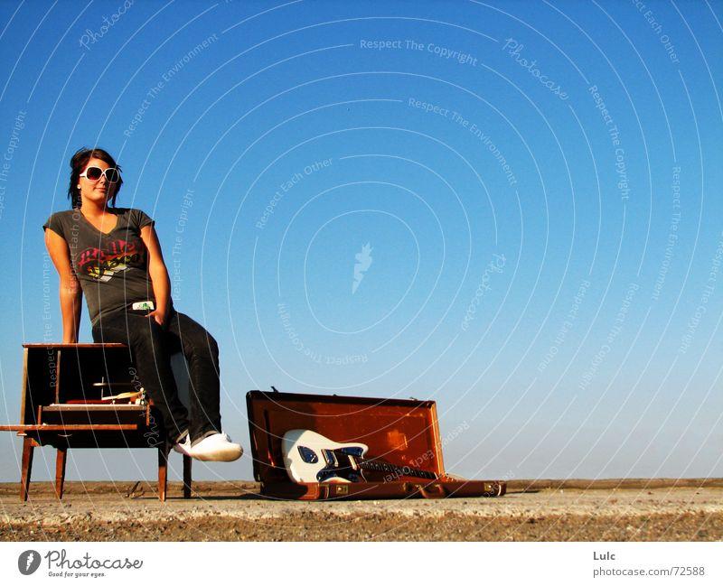 I'll Show You Attitude! record player guitar case blue skye sunglasses sunny bright attitude youth gravel Mode