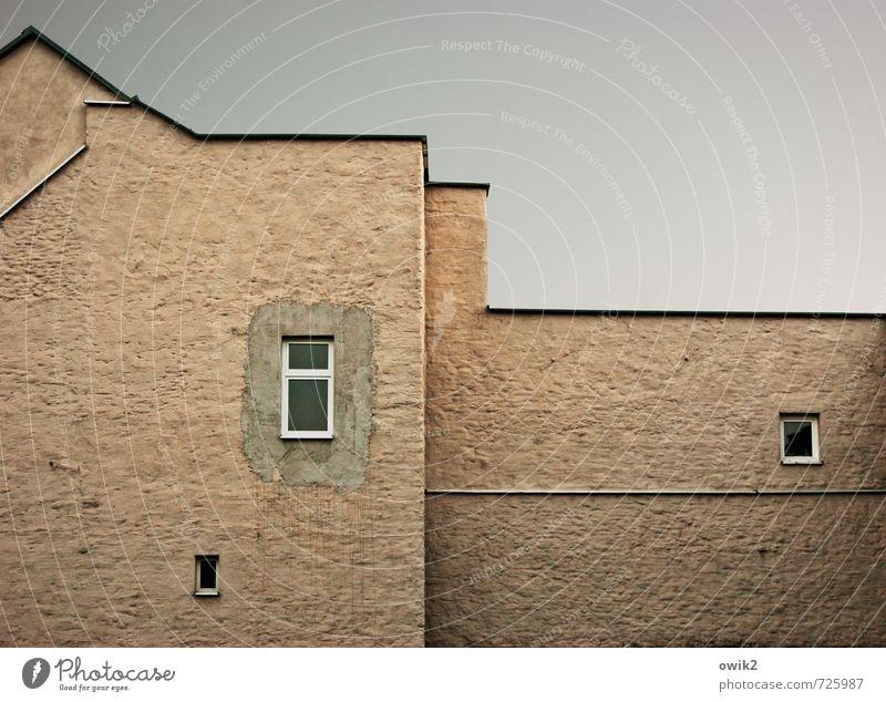 Nachbarn Häusliches Leben Wohnung Haus Wolkenloser Himmel Klima Schönes Wetter Bautzen Lausitz Deutschland Kleinstadt bevölkert Mauer Wand Fassade Fenster eckig