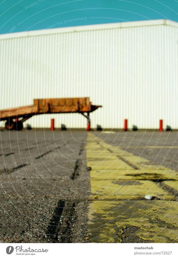 KOMBINATION! - THE WINNER TAKES IT ALL Himmel weiß Linie orange Schilder & Markierungen Bodenbelag Punkt türkis Mobilität Lagerhalle Fahrzeug