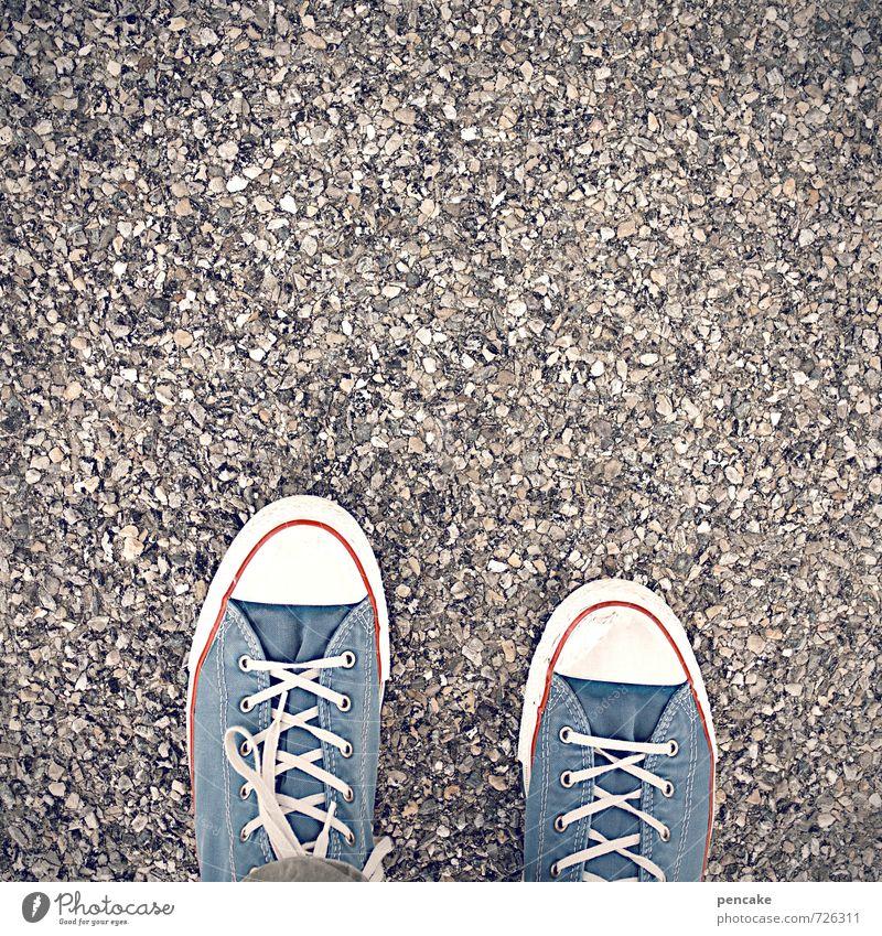ein fuss vor den ander'n gehen Fuß Schuhe Zeichen atmen Turnschuh