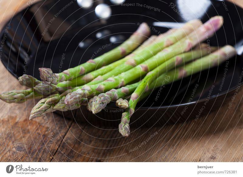 Spargelpfanne grün schwarz Frühling Lebensmittel Kochen & Garen & Backen gut Gemüse Appetit & Hunger Eisen Billig rustikal roh Spargel Pfanne Spargelzeit