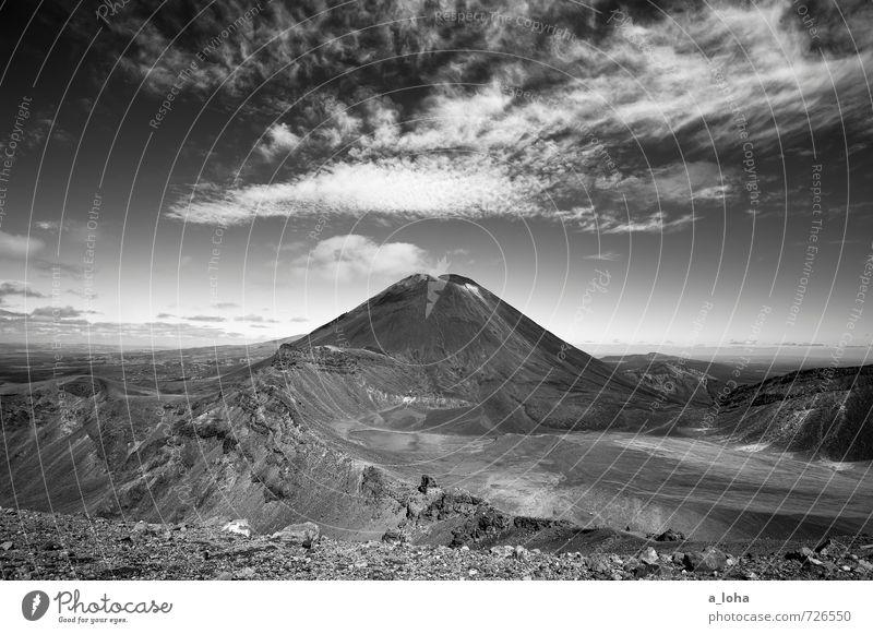 Mordor b/w Himmel Natur Ferien & Urlaub & Reisen Landschaft Wolken Ferne Umwelt Berge u. Gebirge Felsen Horizont Luft Erde wandern Schönes Wetter Urelemente