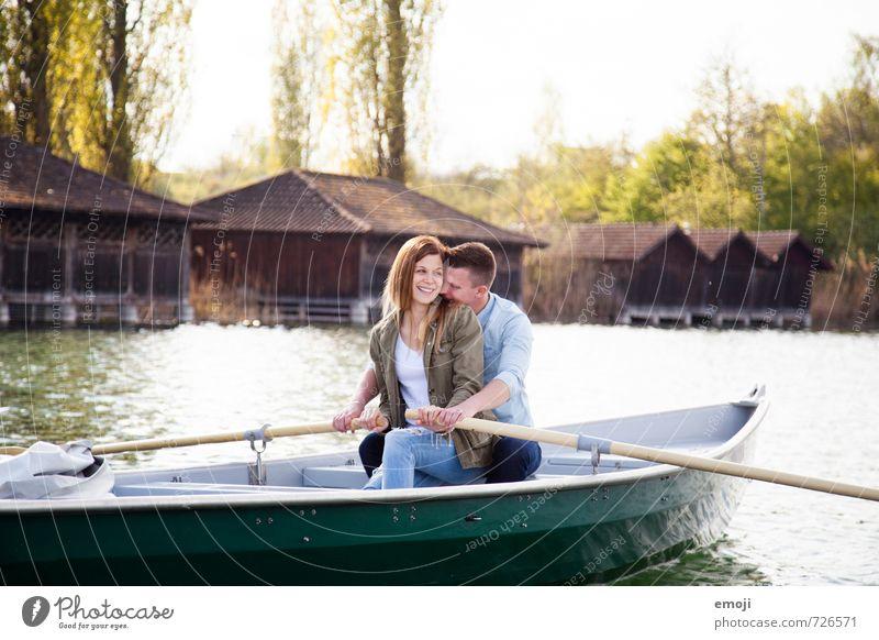 love boat Mensch Natur Jugendliche schön Junge Frau Freude Junger Mann Umwelt Liebe feminin Glück See Paar Freizeit & Hobby maskulin Fröhlichkeit