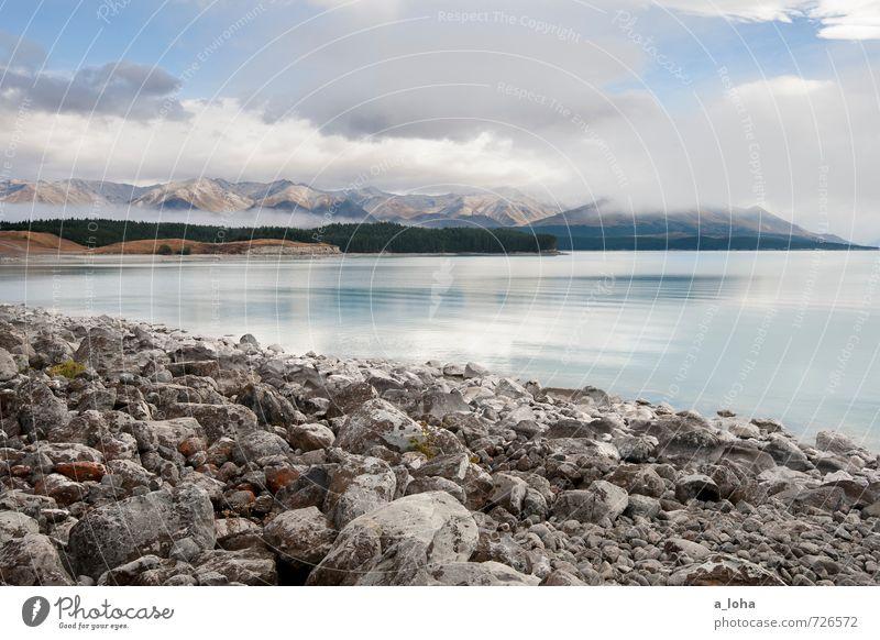 Lakeview Umwelt Natur Landschaft Urelemente Wasser Himmel Wolken Herbst Klima Schönes Wetter Felsen Alpen Berge u. Gebirge Gipfel Küste Seeufer Strand Fernweh