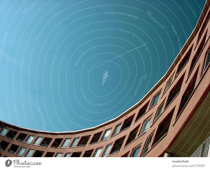 ICH STREICH DEN HIMMEL BLAU FÜR DICH | gebäude architektur Himmel Stadt blau Einsamkeit Wolken Haus Ferne dunkel Fenster Leben Architektur Traurigkeit Gebäude
