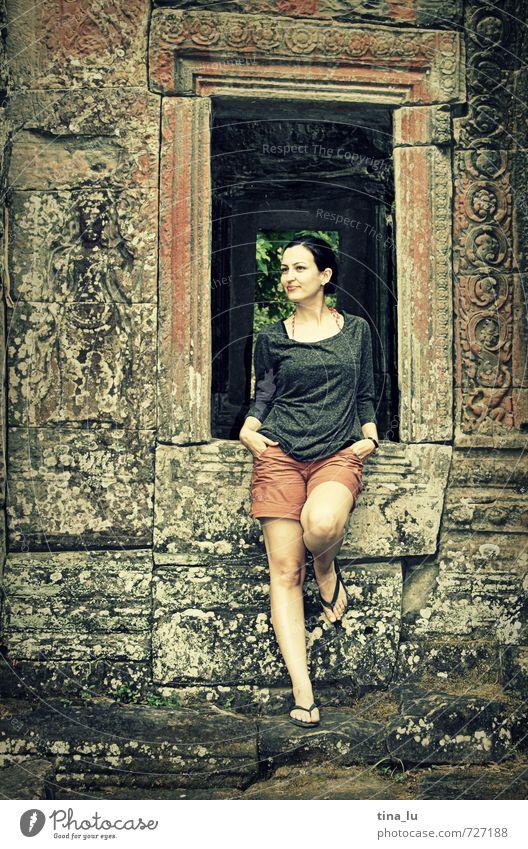 Angkor Mensch Frau Jugendliche schön grün Junge Frau Mädchen 18-30 Jahre Ferne Erwachsene Fenster feminin braun orange elegant ästhetisch