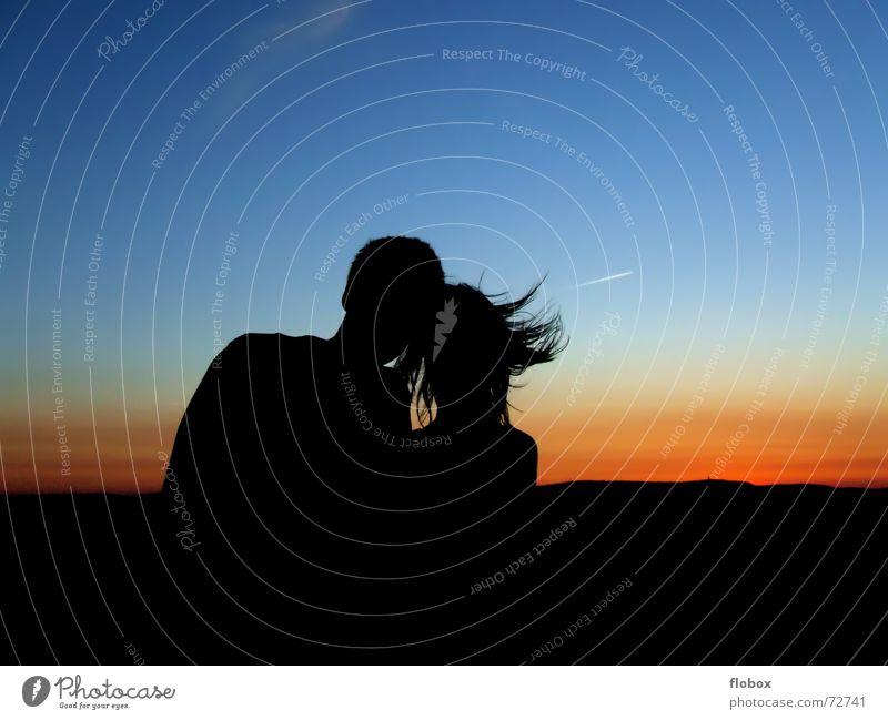 Wir zwei... Frau Himmel Mann Sonne Sommer Freude Ferne Liebe dunkel Freiheit Glück Paar Zusammensein Wind hoch paarweise