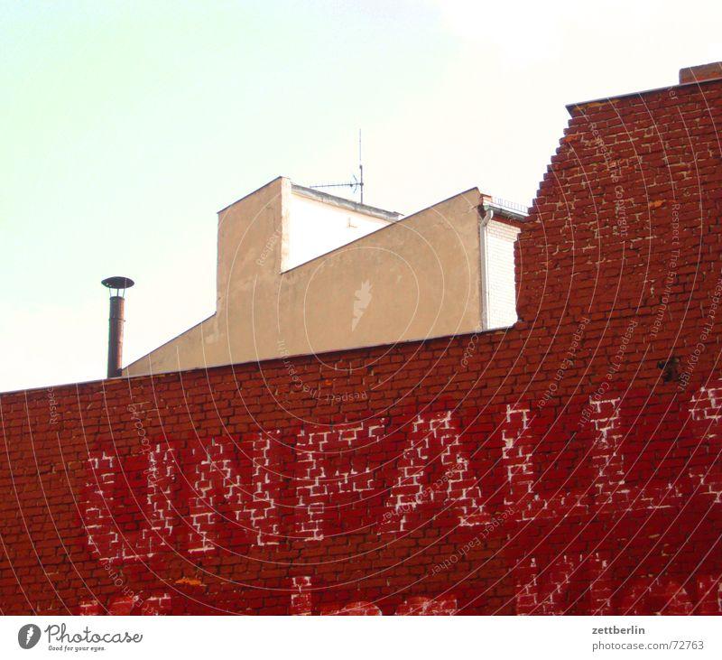Unfall Himmel Fassade Information Backstein Werbung Schornstein vergangen Antenne Aufschrift Berlin ausgebleicht