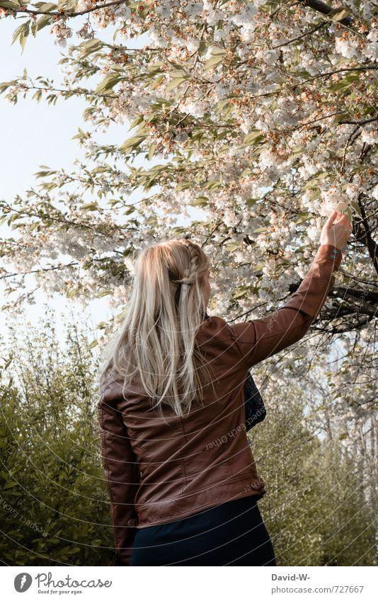 Jahreszeit = F* - S - H - W Mensch Frau Kind Jugendliche schön Baum 18-30 Jahre Umwelt Erwachsene feminin Blüte Frühling Haare & Frisuren Glück Wachstum