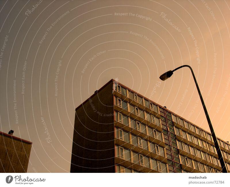 DANCING FOOL EINS | hochhaus gebäude architektur Haus Hochhaus Gebäude Material Gleichgültigkeit Fenster live Block Beton Etage trist dunkel Leidenschaft
