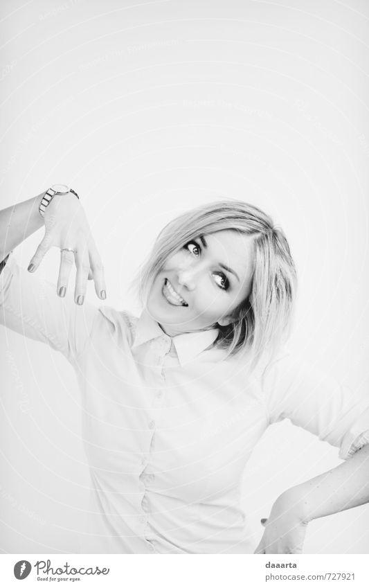 Mensch Jugendliche Junge Frau Freude 18-30 Jahre Erwachsene feminin Stil Haare & Frisuren lachen Glück Gesundheit Lifestyle glänzend elegant blond