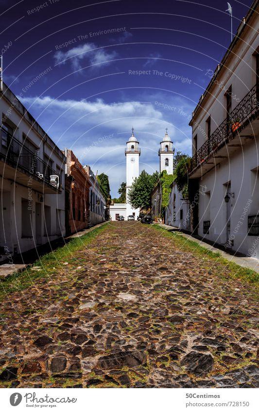 Strassen in Colonia, Uruguay Himmel Ferien & Urlaub & Reisen Sommer Erholung ruhig Haus Ferne Architektur Tourismus wandern Ausflug Kirche Schönes Wetter